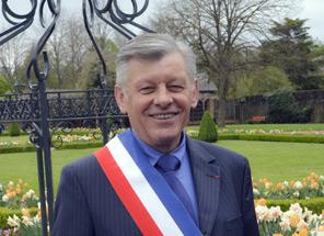 Albert PLOUHINEC maire