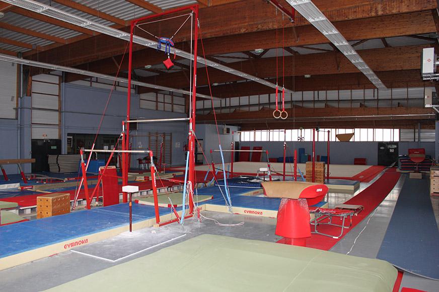 Espace sportif de bourgchevreuil ancien cosec ville de for Piscine cesson
