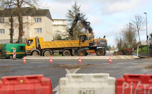 Rue de la Chalotais. Les travaux de création de la piste cyclable se poursuivent
