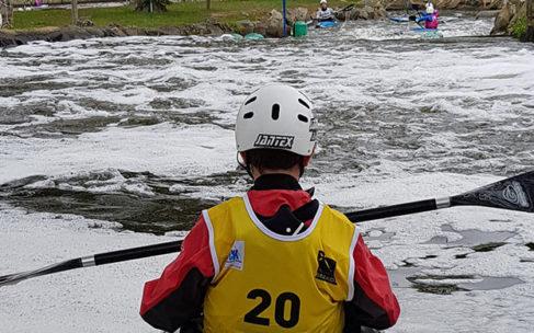 Vidéo – Double sélectif régional slalom au stade d'eaux vives